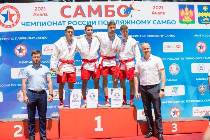 В Анапе проходит первый в истории чемпионат России по пляжному самбо